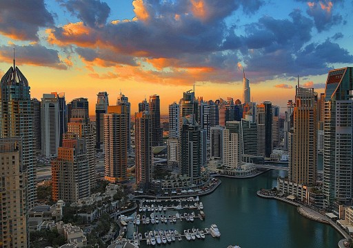 بلومبرغ: دبي وأبوظبي تصعدان في تصنيف الدول الأكثر غلاء للمغتربين