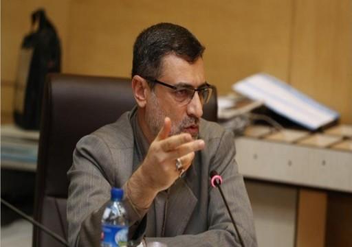 مسؤول إيراني يلوح بفرض رسوم على السفن في مضيق هرمز