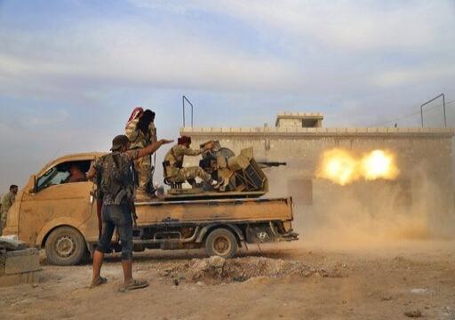مقاتلو المعارضة السورية يشنون هجومين انتحاريين في حلب