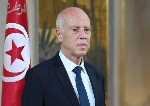 الرئيس التونسي يعين وزير الداخلية رئيساً للوزراء