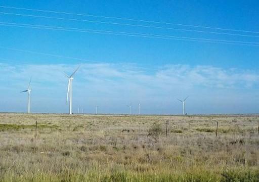مصدر تستثمر لأول مرة بمشاريع الطاقة المتجددة الأمريكية
