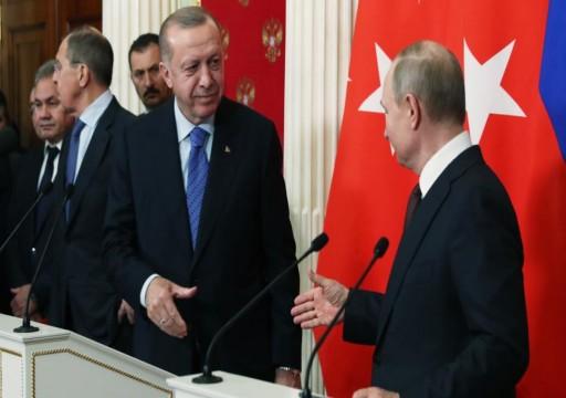 أردوغان يطلب من بوتين التشارك في إدارة حقول نفط دير الزور بسوريا