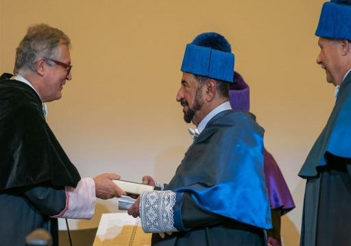 حاكم الشارقة يتسلم الدكتوراه الفخرية من جامعة أتونوما مدريد