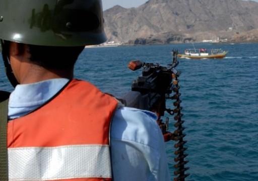 مسؤول يمني شائعات تدخّل إرتيري في جزيرة حُنيش اليمنية