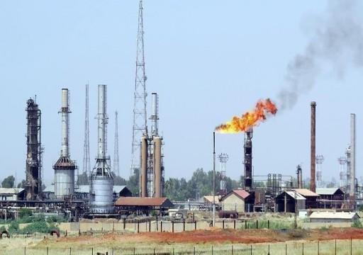 """تباين أسعار النفط بانتظار محفزات تحالف """"أوبك+"""""""