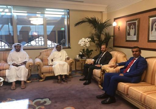 في محاولة لترميم العلاقات.. صندوق أبوظبي يستأنف تنفيذ مشاريعه في اليمن