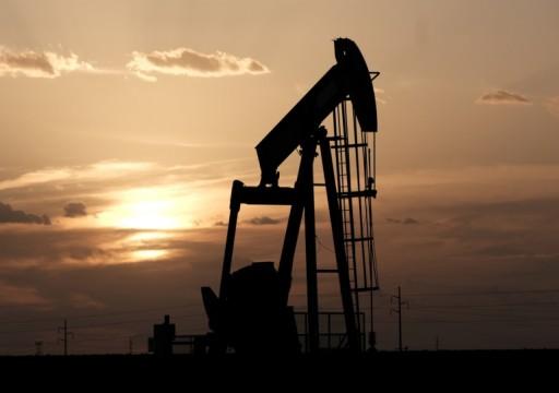 النفط يرتفع بفعل صعود استهلاك المصافي ورغم زيادة مخزون الخام