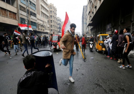 مقتل 3 متظاهرين وإصابة العشرات بالقنابل ورصاص الصيد في بغداد