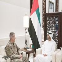 محمد بن زايد يبحث مع قائد الدعم الحازم والقوات الأميركية التطرف والإرهاب
