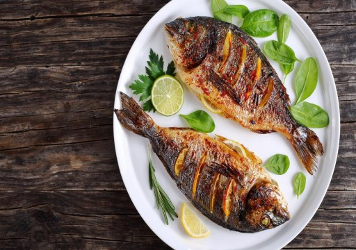 دراسة: تناول السمك 3 مرات أسبوعيا يحميك من خطر سرطان القولون