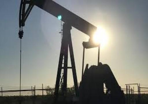 أسعار النفط تهوي 1% مع تغلب مخاوف الطلب على آمال خفض أوبك+