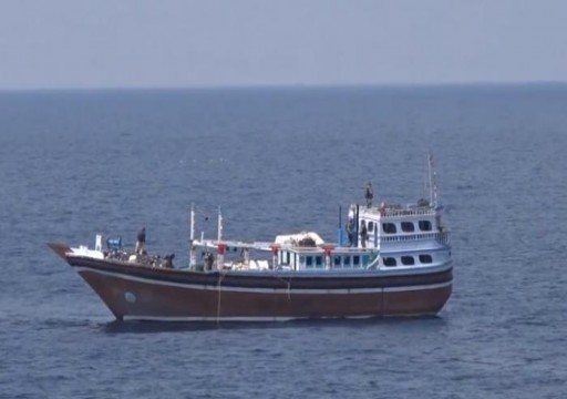 السعودية تنقل أحد أفراد طاقم سفينة إيرانية إلى سلطنة عمان