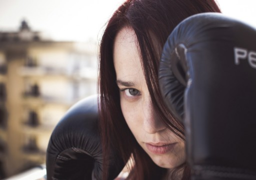 رياضة قتالية وفتوى دينية.. قوة المرأة ودفاعها عن نفسها