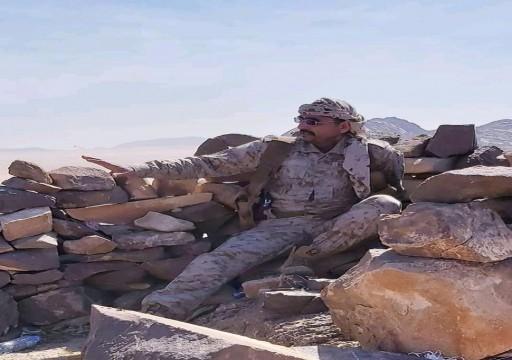 اليمن.. الحوثيون يعدمون قائدا رفيعا بالجيش اليمني ويمثلون بجثته