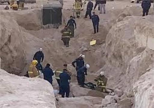 مصرع 4 عمال نيباليين في انهيار أرضي بمشروع سكني بالكويت