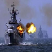 الحوثيون يزعمون استهداف بارجة للتحالف قبالة سواحل الحديدة