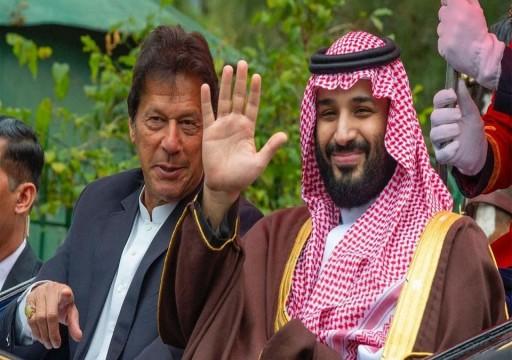 بن سلمان يبحث مع خان تطورات الأوضاع بكشمير