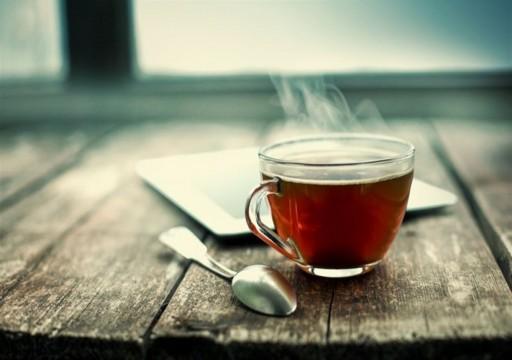 شرب الشاي الساخن يضاعف خطر الإصابة بسرطان المريء