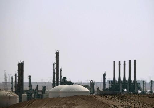 صحيفة بريطانية: حفتر تعرض لضغوط دولية لرفع الحصار عن النفط
