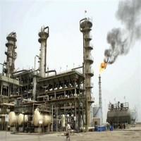النفط يتراجع بعد قفزة كبيرة في المخزونات الأمريكية