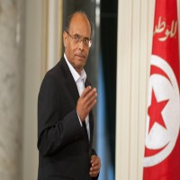 """الرئيس التونسي السابق يزعم: """"ابتلى الله العرب بحكام الإمارات"""""""
