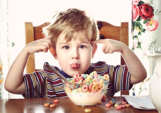 دراسة تحذّر: أغذية الأطفال المصنّعة تحتوي على مواد كيميائية سامة