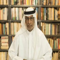 عبد الخالق عبدالله ينتقد مسؤولين يمنيين ويصفهم بـالكلاب الضالة