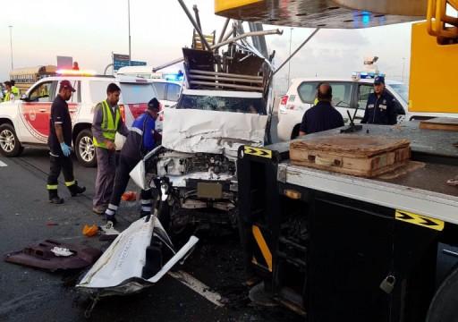 وفاة اثنين وإصابات بليغة لآخرين في حادث اصطدام مروع بدبي