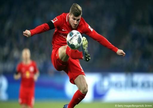رئيس لايبزيغ الألماني يدلي يكشف رحيل نجم ناديه إلى ليفربول