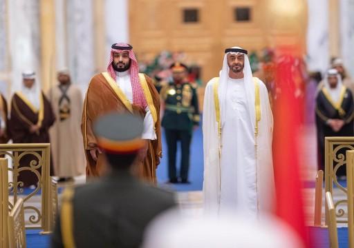 بن سلمان يصل أبوظبي ومحمد بن زايد في مقدمة مستقبليه
