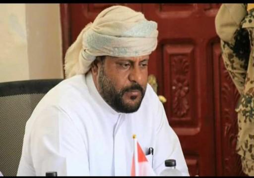 شيخ قبلي: الرياض وأبوظبي تتسابقان للسيطرة على جنوبيّ اليمن