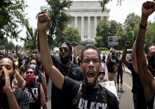 لليوم الثاني عشر.. عشرات الآلاف يحتجون في أنحاء أمريكا ضد العنصرية