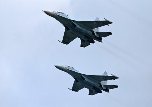 مقاتلة روسية تعترض طائرتين أمريكية وبريطانية فوق البحر الأسود