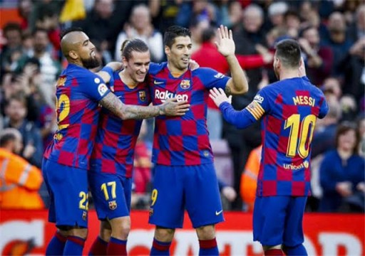 إسبانيول يشعل قمة الدوري الإسباني بتعادله مع برشلونة
