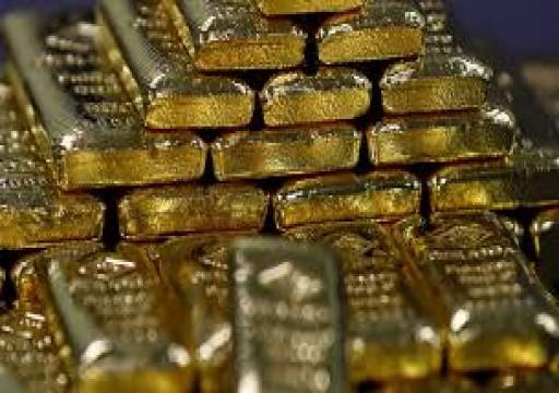 الذهب يرتفع مع تراجع الاندفاع صوب النقد بفضل تحفيز أمريكي لمكافحة كورونا