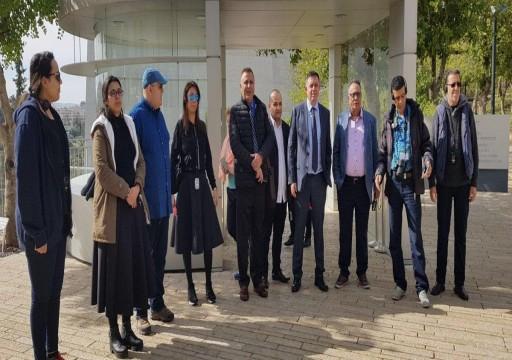 إعلاميون إماراتيون ضمن وفد تطبيع يصل تل أبيب بدعوة من حكومة الاحتلال