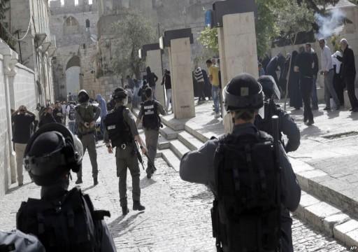 اشتباكات في المسجد الأقصى بين مصلين فلسطينيين وشرطة الاحتلال