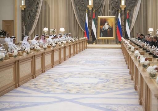 محمد بن زايد والرئيس الروسي يعقدان جلسة مباحثات رسمية
