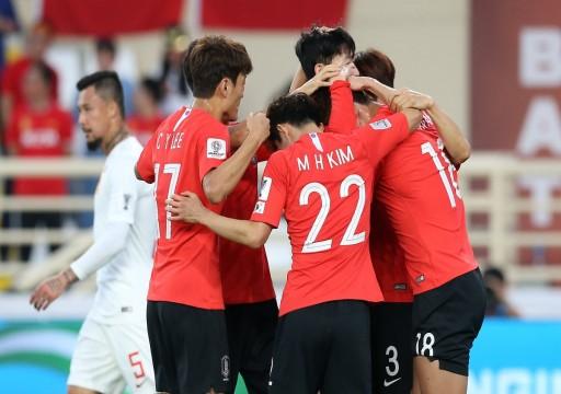 كوريا الجنوبية تهزم الصين وتعتلي قمة مجموعتها بكأس آسيا19