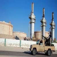 وول ستريت تزعم: الإمارات تساعد ببيع النفط الليبي بطرق غير شرعية