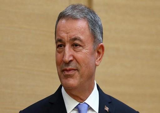 """وزير الدفاع التركي يشن هجوماً لاذعاً على أبوظبي ويتوعدها """"بالمحاسبة"""""""