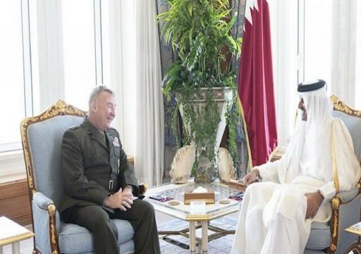"""أمير قطر وقائد """"المركزية الأمريكية"""" يبحثان التعاون العسكري"""
