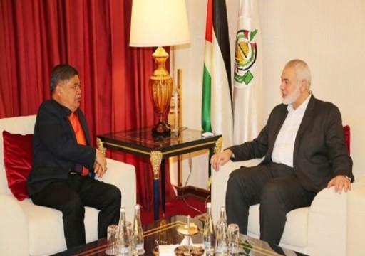 وزير الدفاع الماليزي يلتقي رئيس مكتب حركة حماس في قطر