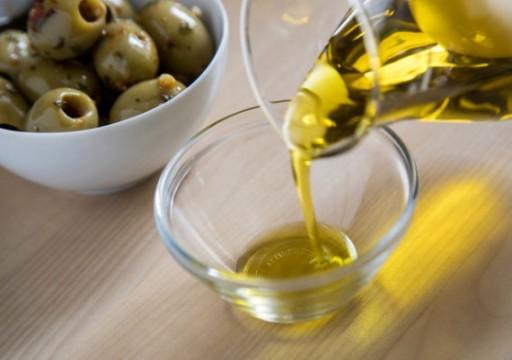 أبرزها زيت الزيتون.. دليلك للاستفادة من الدهون النباتية الصحية وتفادي أضرارها