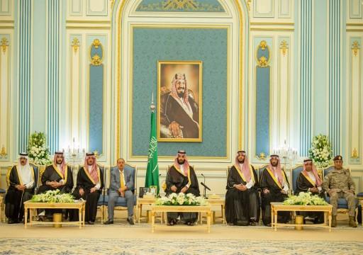 الرياض.. بن سلمان يلتقي نواب اليمن ويعدهم بحل قضية المغتربين
