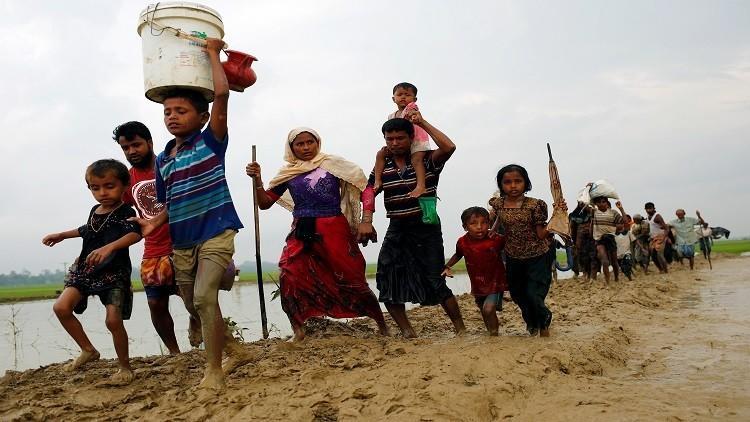 الأمم المتحدة تتوقع فرار 300 ألف من الروهينغا إلى بنغلادش