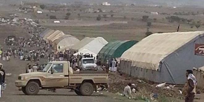طيران الإمارات توقف رحلاتها إلى صنعاء بسبب مخيمات الحوثيين المسلحة