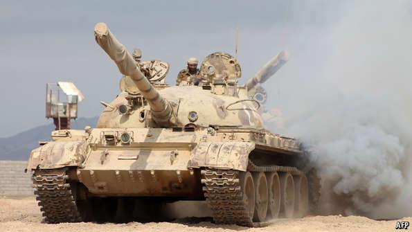 إيكونوميست: التدخل العسكري السعودي ضد الحوثيين لن يكون سهلًا