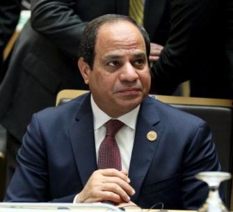 """المصريون يواجهون أزمة """"تغول الدولار"""" بالسخرية"""