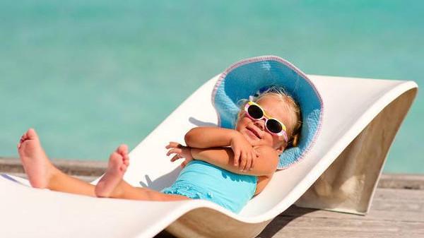 التعرض للشمس قد يسبب تغيرات كيمياوية داخل البشرة